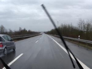 Vi har kört i regn hela dagen och mycket blåst.
